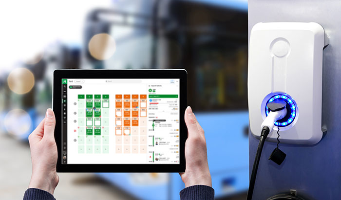 HASTUS yard tools offer real-time integration crucial to efficient daily operations, monitoring charging and ensuring sufficient state of charge for electric vehicles' upcoming tasks.